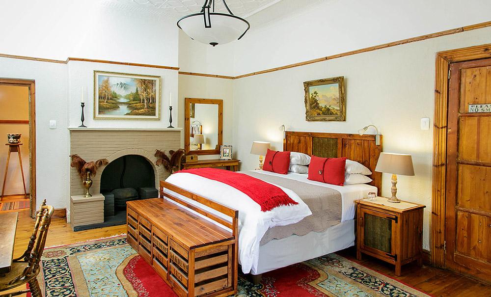 Oudtshoorn Bed and Breakfast - Comfort King Room at Oakdene