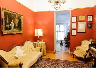 Oudtshoorn Guest House lounge area